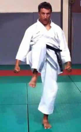 Heian Yondan - Hiza Geri, le coup de genou