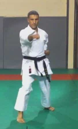Migi Chudan Oizuki in Ten-no-kata